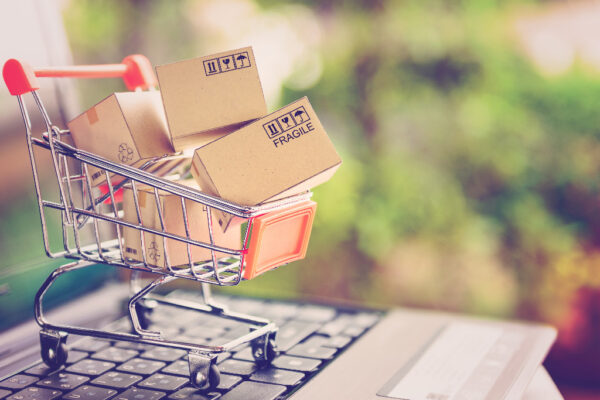 Why Should US Retailers Selling Through Multiple Channels Consider Imports?